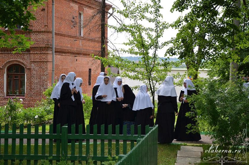 Посещение сестер из Серпуховского Владычного женского монастыря