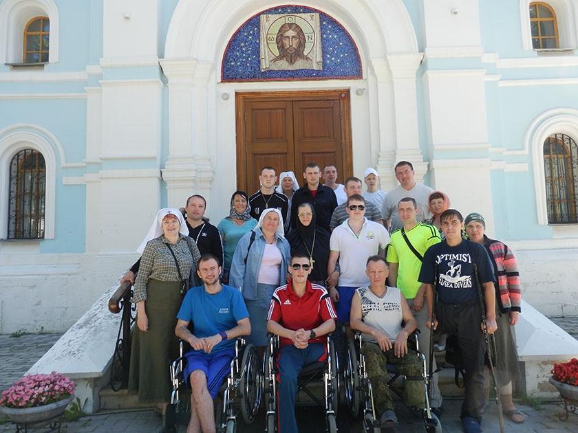 Гости из Православного сестричества Храма святых бессеребряников Космы и Дамиана